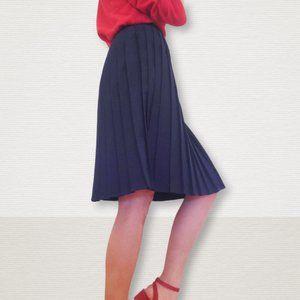3/30$ 🍂 Vintage Knee Length Pleated Navy Schoolgirl Skirt